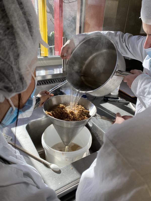 Apprendre autrement : étude d'un exemple de fermentation en brasserie